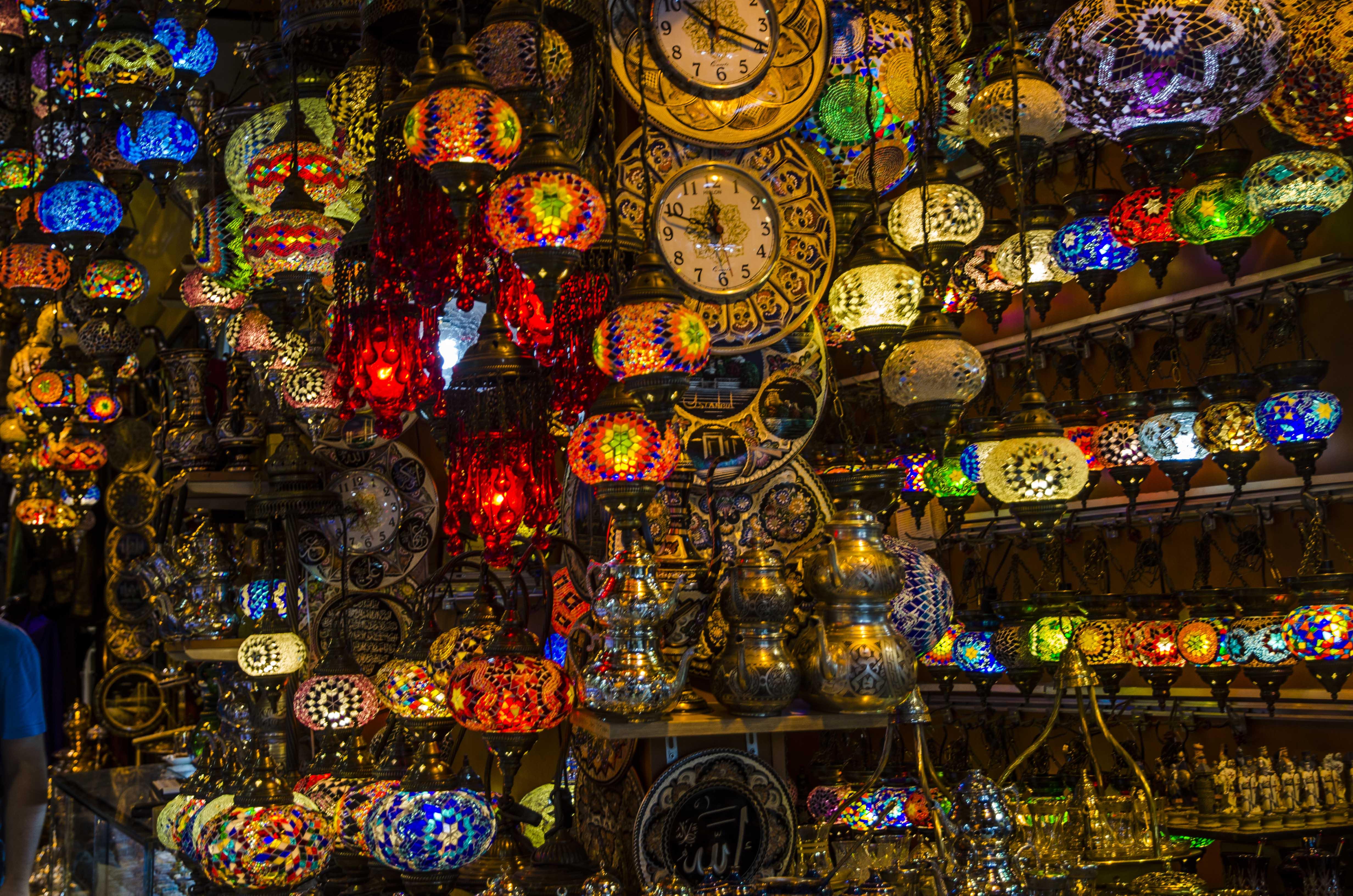 Gran bazar, lamps lamps lamps